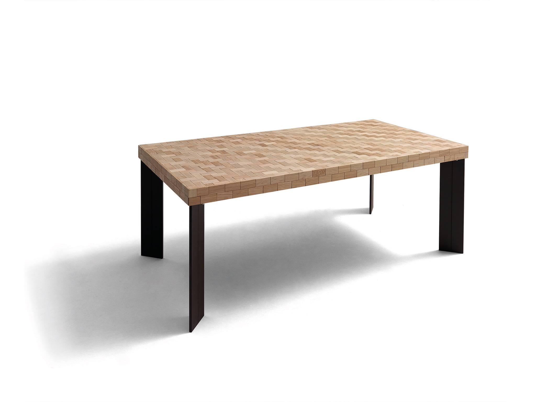 Mesa de comedor actual tapa puzle y pata recta metal óxido